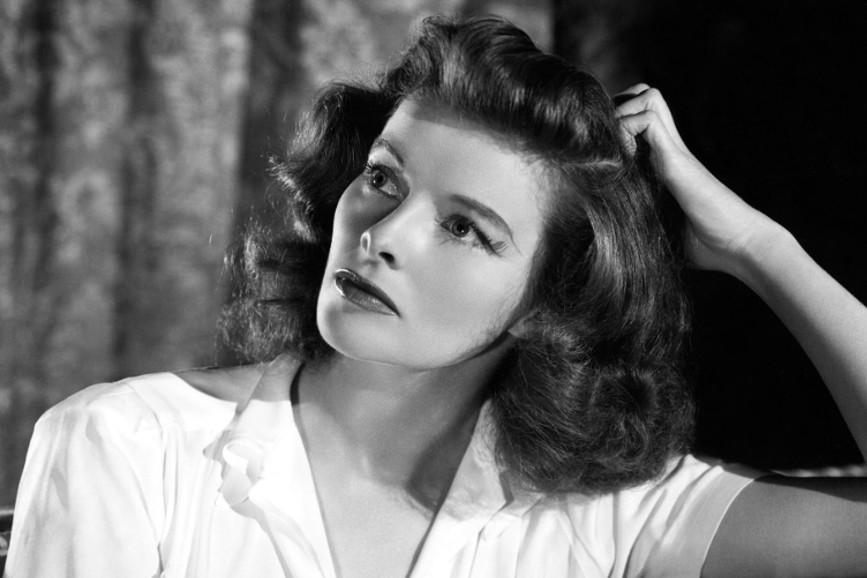 Katharine Hepburn distratta