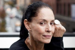 Sonia Braga posa