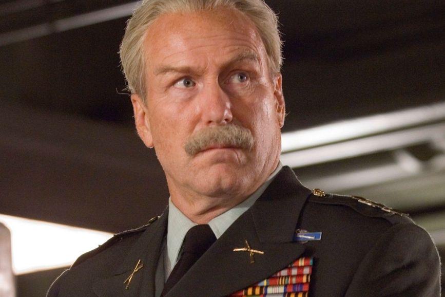 Wiliam Hurt generale Ross