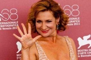 Monica Scattini interprete