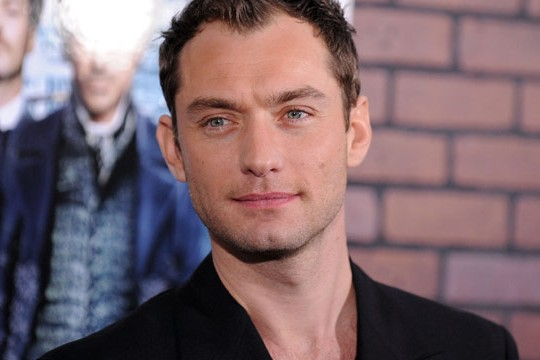 """Jude Law con Blake Lively in """"The Rhythm Section"""""""