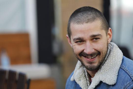 Shia LaBeouf allontanato dalla CAA dopo le accuse di violenza sessuale