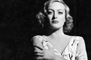 Joan Crawford braccia conserte