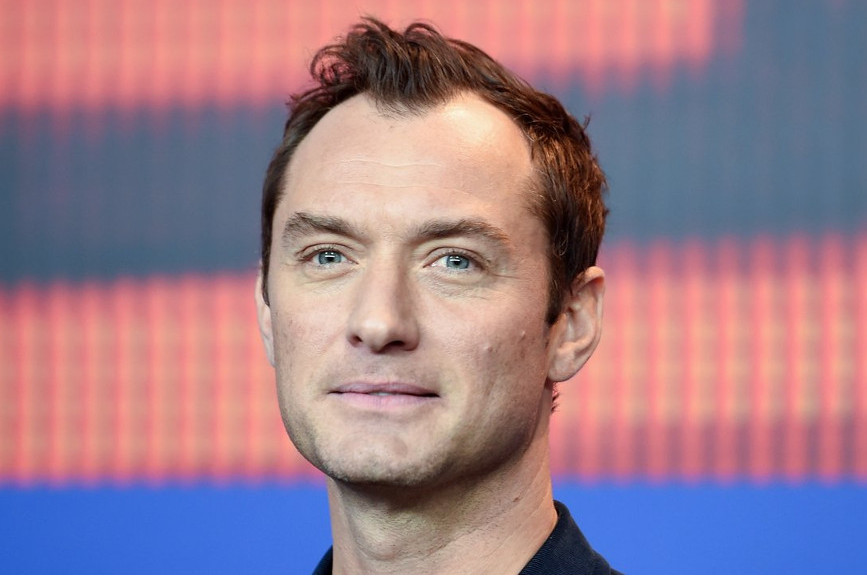 Jude Law nei panni di Capitan Uncino in