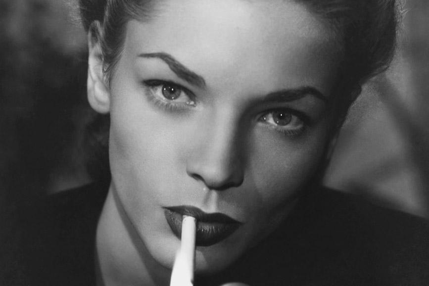 Lauren Bacall primo piano