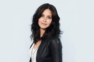 Courteney Cox mezza figura