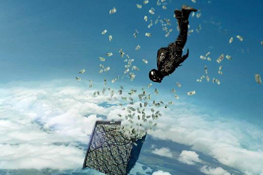 """""""Point Break"""": un nuovo trailer pieno di adrenalina"""