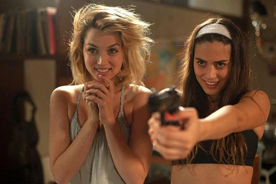 """""""Knock Knock"""": il trailer del thriller erotico di Eli Roth"""