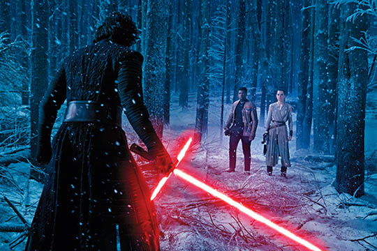 """""""Star Wars: Episodio VII – Il risveglio della forza"""": una valanga di immagini e uno spot"""