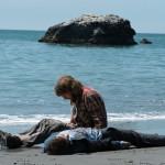 Swiss Army Man: Daniel Radcliffe e Paul Dano amici improbabili nel nuovo trailer del film