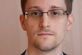 Snowden: Joseph Gordon-Levitt protagonista nel trailer del film di Oliver di Stone