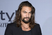 "Jason Momoa nella versione live action di ""Frosty The Snowman"""