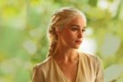 """Emilia Clarke e """"Il trono di spade"""" secondo Matt LeBlanc"""