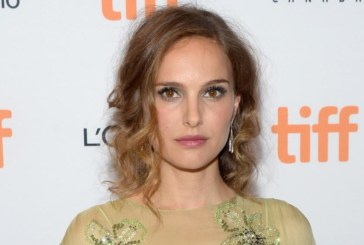 "Natalie Portman potrebbe sostituire Reese Whiterspoon in ""Pale Blue Dot"""