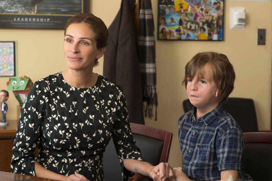 "Julia Roberts as ""Isabel"" and Jacob Tremblay as ""Auggie"" in WONDER Box Office Italia"