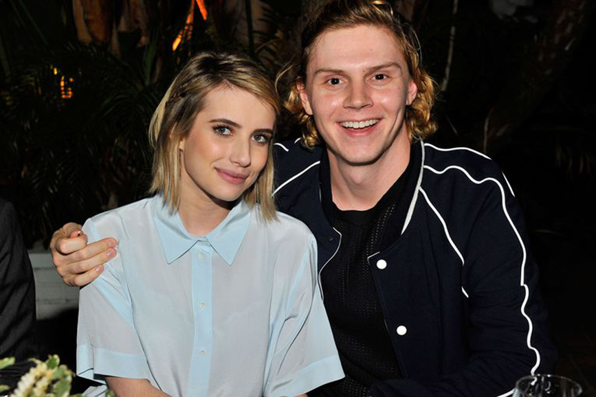 Emma Roberts e Evan Peters coppia