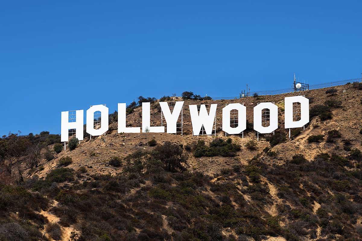 Hollywood: non c'è urgenza per avere i vaccini COVID-19