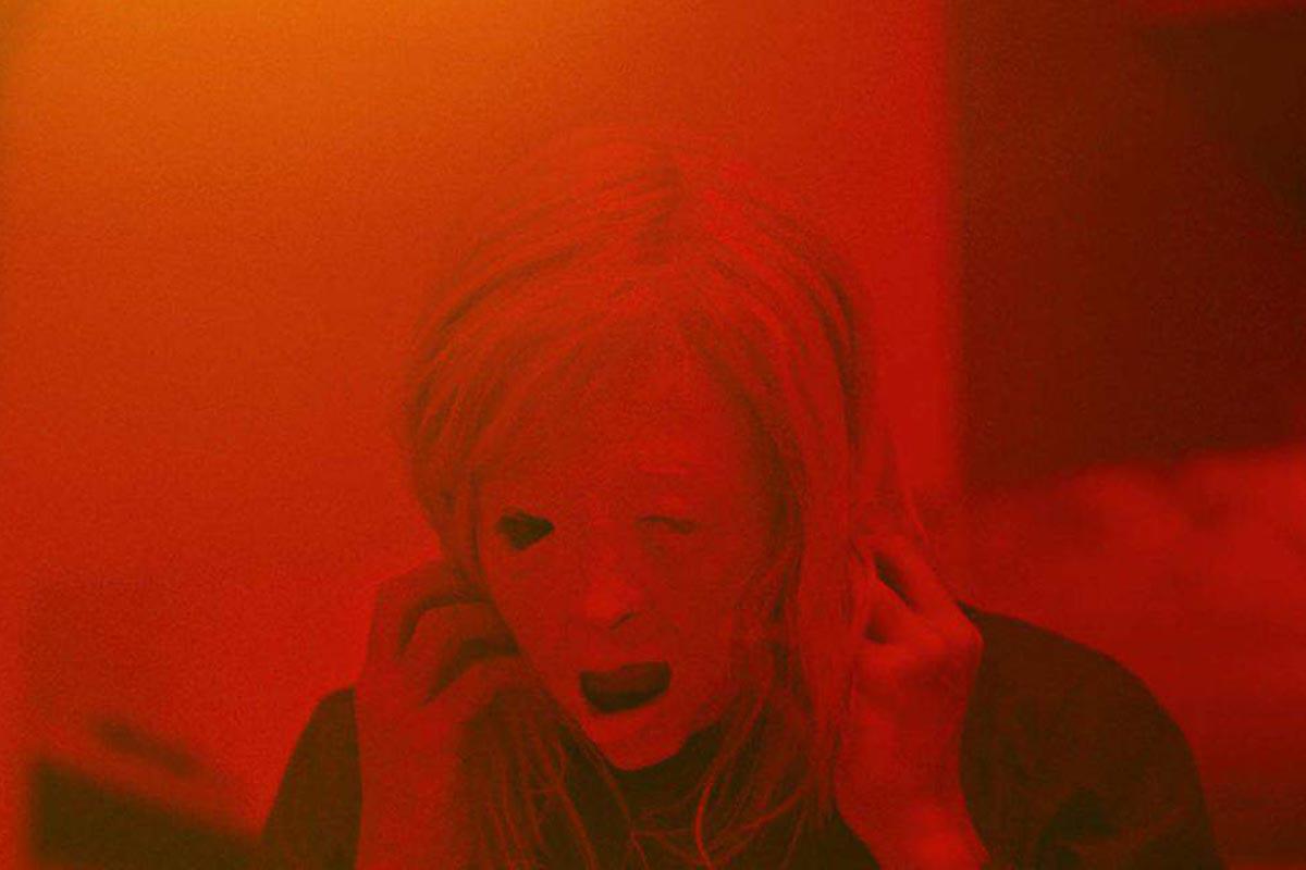 Possessor: nuovo trailer per l'horror di Brandon Cronenberg
