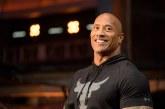 "Dwayne ""The Rock"" Johnson sostiene Joe Biden"