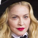 Madonna alla regia di un biopic su se stessa