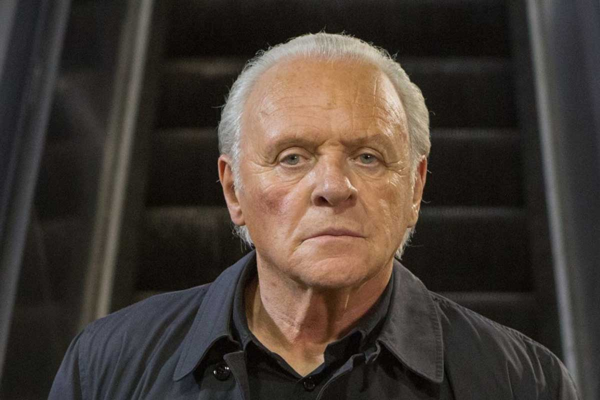 One Life: il dramma con Anthony Hopkins e Johnny Flynn venduto al mercato virtuale del TIFF