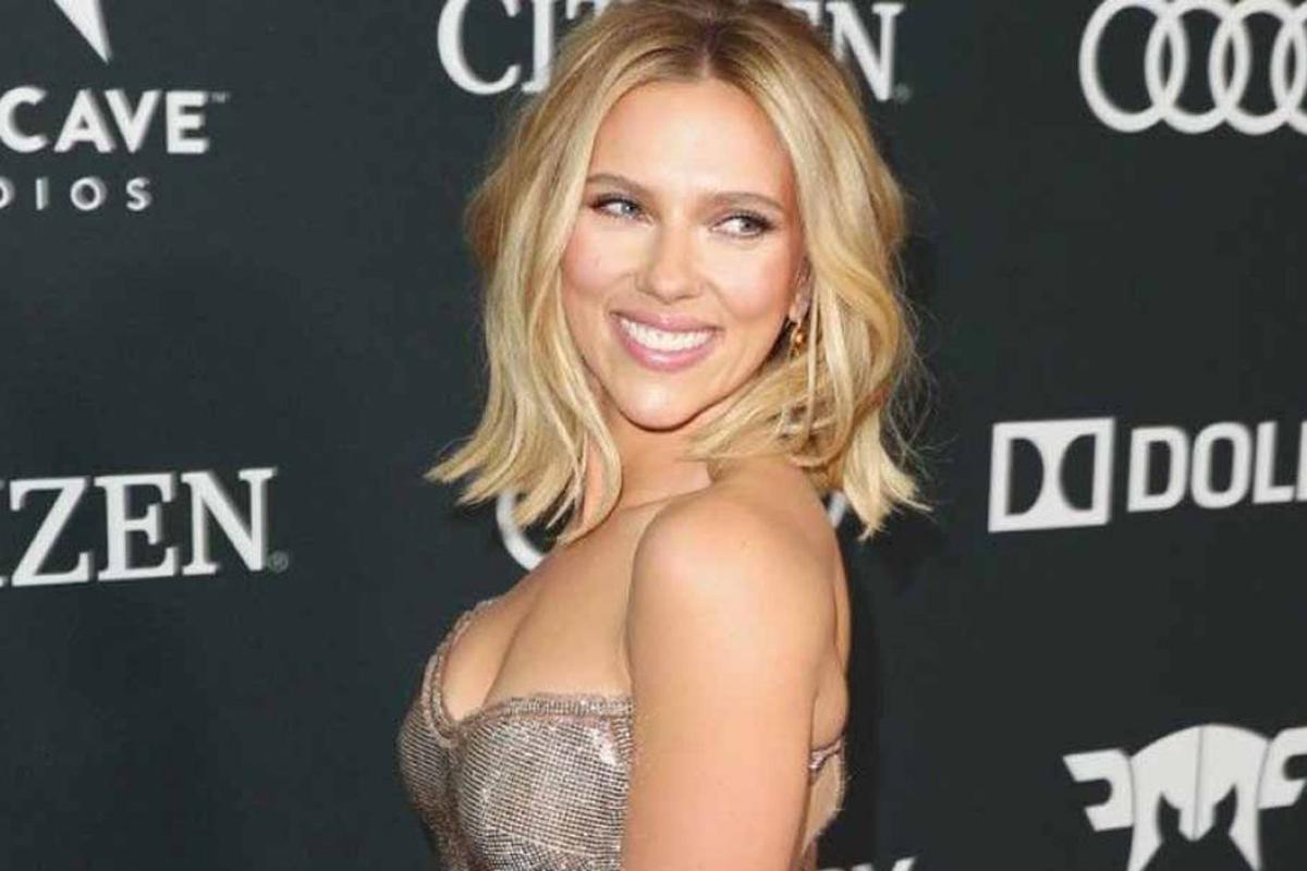 Scarlett Johansson esorta l'industria a
