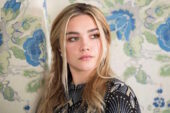 Florence Pugh protagonista del thriller giallo The Maid