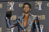 "Golden Globe 2021: Chadwick Boseman vince il premio postumo per ""Ma Rainey's Black Bottom"""