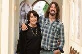 """Dave Grohl: la Paramount + rilascia il promo e le date della serie """"From Cradle To Stage"""""""