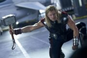 Chris Hemsworth mostra i nuovi capelli di Thor in un video