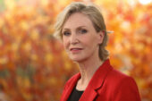 Jane Lynch e altre celebrità si impegnano a favore dei senzatetto di Los Angeles