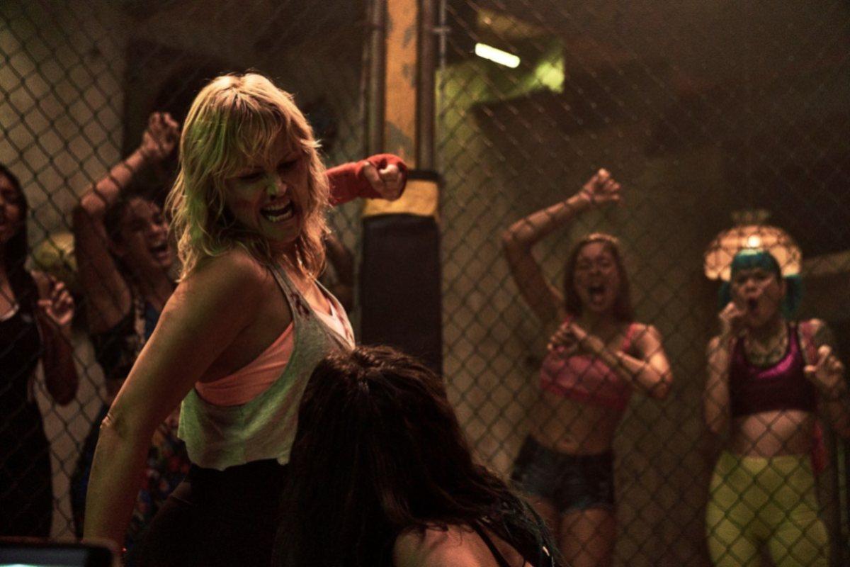 chick fight scena