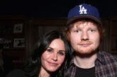 Courteney Cox, Ed Sheeran ricreano la classica dance routine di  Ross e Monica di