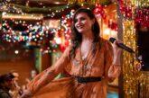 The Shining Girls: la star di 'Hamilton' Phillipa Soo si unisce a Elisabeth Moss nella prossima serie drammatica