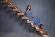 Finding Alice: il trailer della serie comedy dark con Keeley Hawes