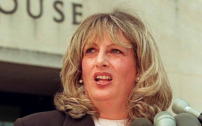 Linda Tripp - Impeachment: American Crime Story