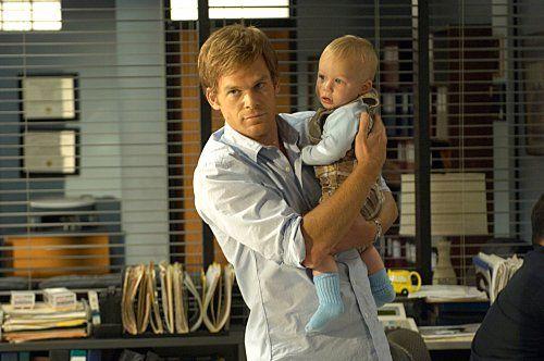 Dexter e il piccolo Harrison